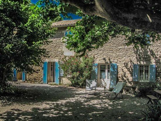 ferienhaus landhaus in saint remy de provence f r 6 personen. Black Bedroom Furniture Sets. Home Design Ideas