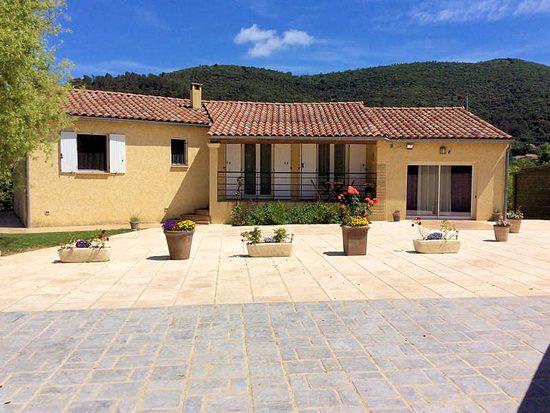 Villa Cévenole 8p : Ferienhaus In Saint Florent Sur Auzonnet, Languedoc,