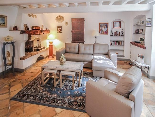 ferienhaus landhaus in saint r my de provence f r 10 personen. Black Bedroom Furniture Sets. Home Design Ideas