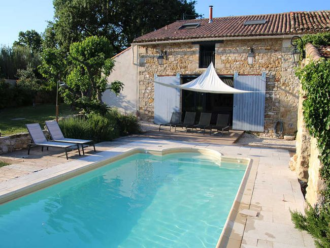 Ferienhaus landhaus in baron f r 6 personen for Camping sud de la france avec piscine